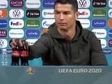 Ronaldo heeft liever water, verwijdert flesjes van EK-sponsor Coca-Cola