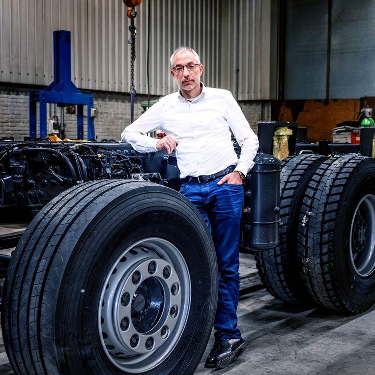 Directeur Roeland van der Woude van Ginaf Trucks. Beeld Raymond Rutting / de Volkskrant