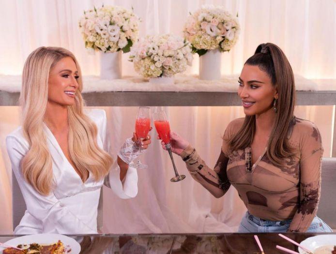 Cooking With Paris - Paris Hilton met Kim Kardashian