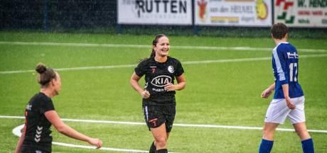 Ex-voetbalprof Bonita Theunissen juicht ook tegen haar oude club