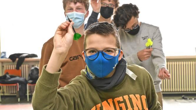 """Cafésport dringt scholen binnen: """"Darts is inclusief en leerrijk"""""""