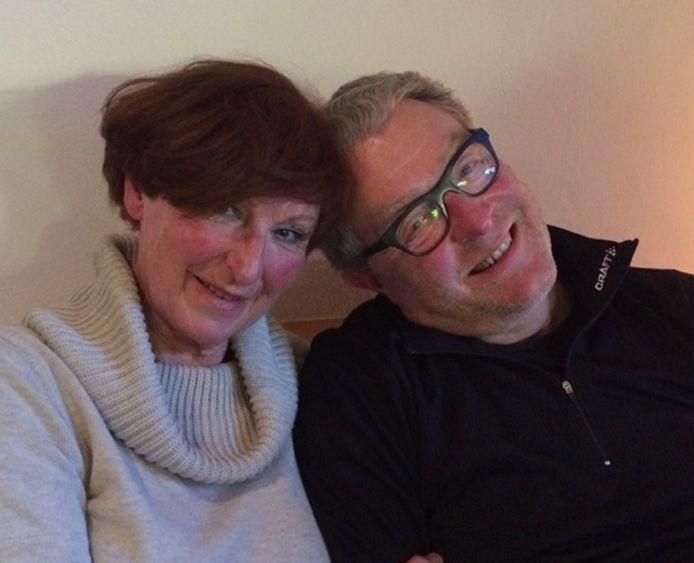 Met zijn vrouw Riet, die hij op de tennisbaan leerde kennen.