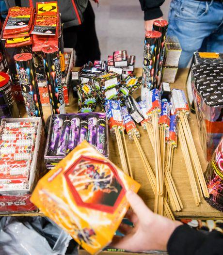Boze vuurwerkbedrijven kondigen stevige schadeclaims aan om afsteekverbod in Apeldoorn