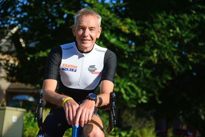Richard Reinders begint komende zondag aan een sportieve actie voor Kika, een solo triatlon, de hele triatlon, dus 3,8 km zwemmen, 180 kilometer fietsen en een hele marathon lopen.