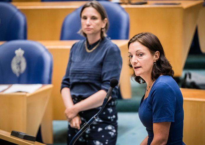 Sandra Beckerman (rechts) heeft schriftelijke vragen gesteld aan de minister over het kanaaldrama.