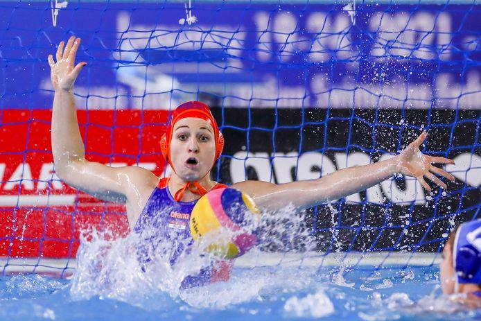 Debby Willemsz, voormalig speelster van De Kempvis, in actie voor Oranje.