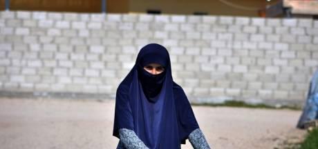 IS-vrouw Ilham B. blijft langer vast: dit weten we van de vrouw die in Syrië Goudse kaas en stroopwafels miste