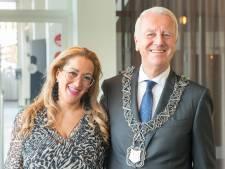 Aziza Aboulkacem neemt na vier Tilburgse burgemeesters afscheid als secretaresse, 'Ik stond altijd voor de heren klaar'