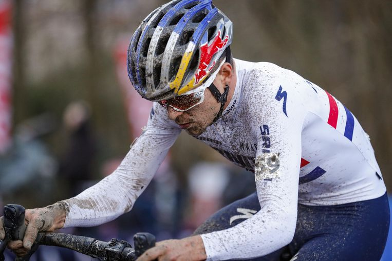 Tom Pidcock in de Citadelcross van Namen. Beeld Photo News