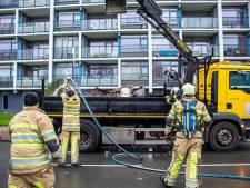 Brand uitgebroken op gemeenteauto tijdens opruimen vuurwerkafval in Vianen
