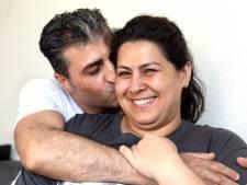 Toen hij 15 was bracht Mehmet zijn overbuurmeisje serenades, nu zijn ze gelukkig getrouwd