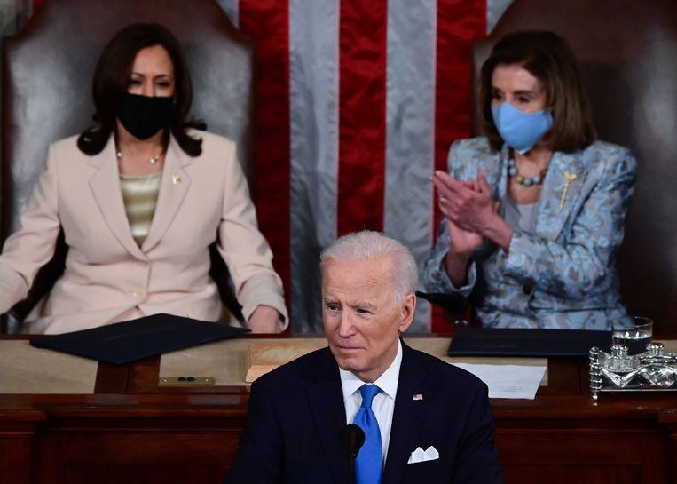 Vicepresident Kamala Harris, president Joe Biden, en leider van de Democraten in het Huis van Afgevaardigden: Nancy Pelosi. Beeld EPA