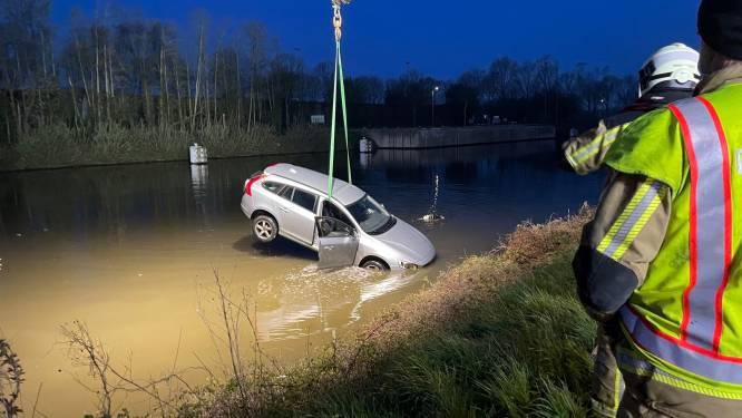 """Automobilist na nachtelijke duik met wagen in koude kanaalwater in Moen: """"Dankbaar dat ik er nog ben"""""""