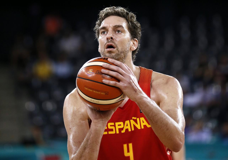 Pau Gasol in actie voor Spanje op het EK 2017.