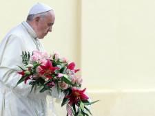 Paus: Derde Wereldoorlog wordt misschien al uitgevochten