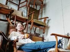 Jop (31) gaf goed betaalde baan op en koos voor een ambacht: oude stoelen geeft hij een tweede leven