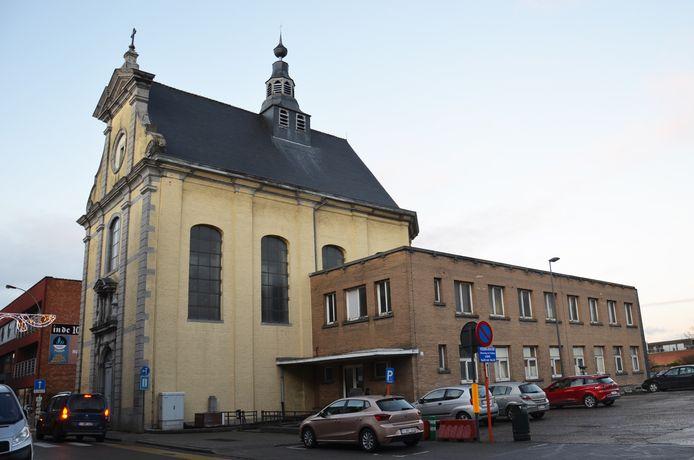De zijgebouwen van de Hospitaalkapel zullen worden vernieuwd.