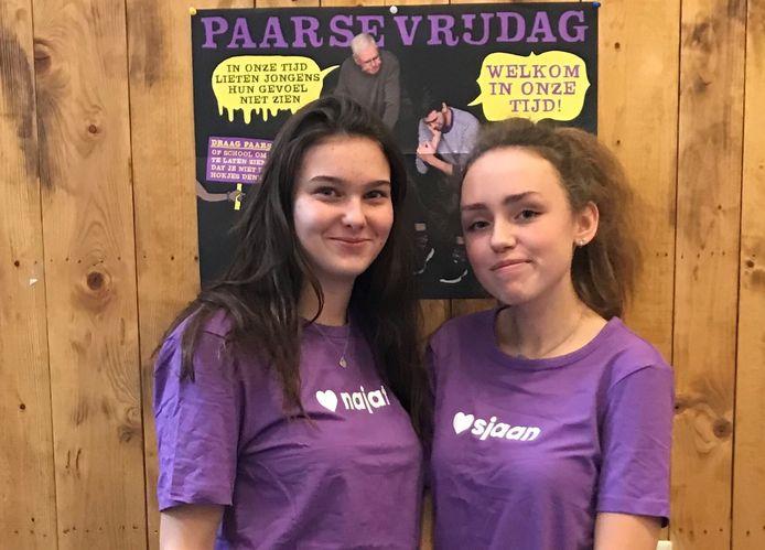 Sarah van der Heiden(links) en Chloe Huart.