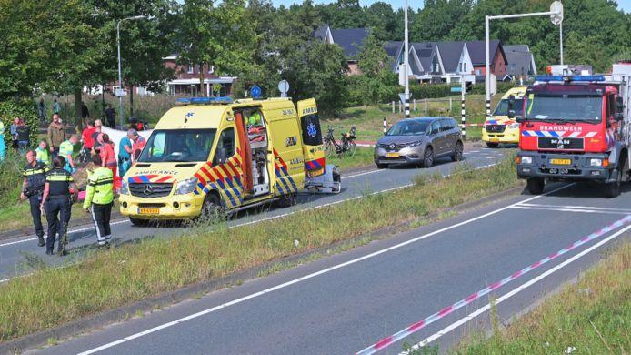 Een fietsster is vorige week dinsdag overleden na een ongeluk op de Westerparklaan in Breda.