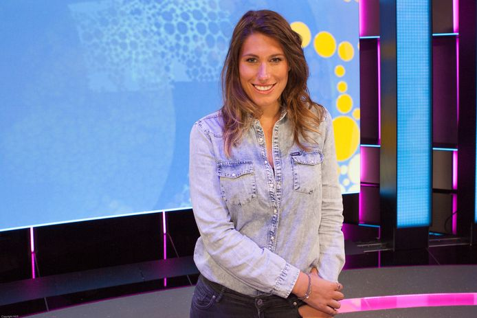 Malou Petter wordt vaste verslaggever van het Jeugdjournaal. Ze is geboren in Woubrugge en ging naar middelbare school in Alphen.