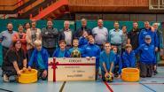 Walvissers Van Haghem steunen G-sport Korfbalclub Appels met cheque van 1.000 euro