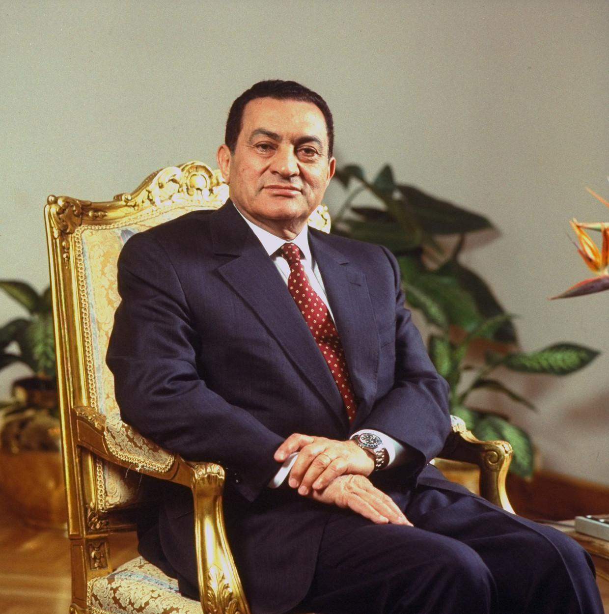 President Moebarak in 1993, toen hij nog nog stevig in het zadel zat. Beeld Getty