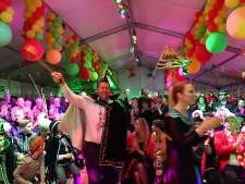 Carnavalsommezwaai in Mill slaat aan: kroegen stil, tenten vol