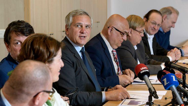 Minister van Werk Kris Peeters (CD&V) stelde de resultaten vanmiddag voor in aanwezigheid van de bonden.