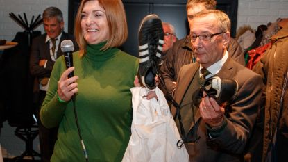 Weduwe Weber geeft Cercle zijn voetbalschoenen