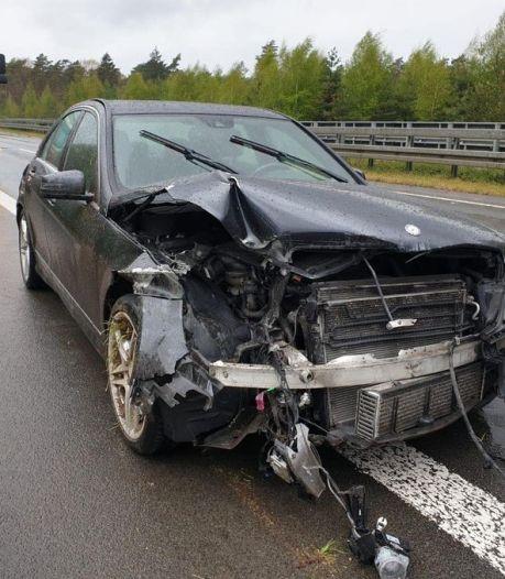 Chauffeur van Helvoirts bedrijf schiet te hulp bij eenzijdig ongeval op snelweg en wordt 'als dank' bestolen