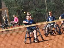 Tenniskamp voor kinderen met een beperking: 'Het leukste is de gezelligheid'