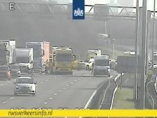 Chaos op de A12 bij Oudenrijn na aanrijding, snelweg tijdelijk afgesloten