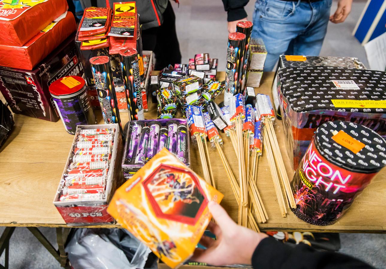 Vuurwerkwinkels stappen donderdag naar de rechter. Ze willen toch vuurwerk verkopen eind dit jaar.