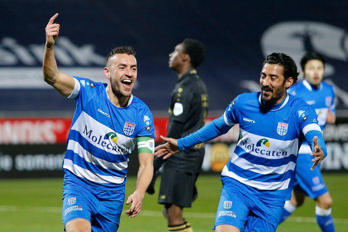 Bram van Polen viert de 3-1 tegen Heerenveen, de beslissing voor PEC Zwolle.