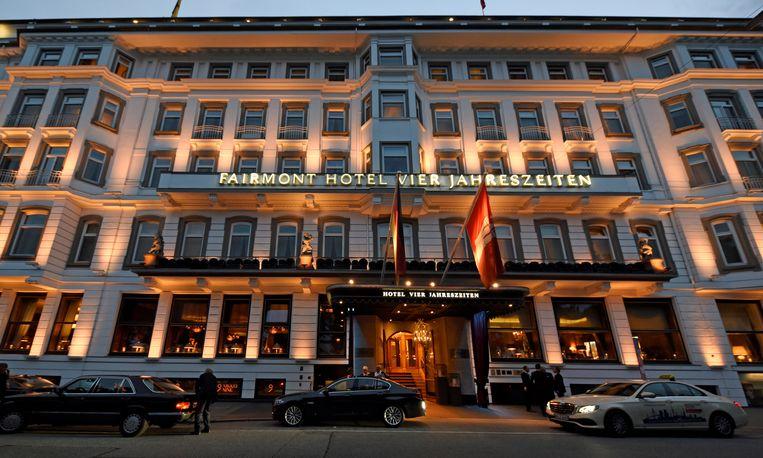 Het Fairmont Vier Jahreszeiten-hotel in Hamburg, waar Trump wilde slapen, maar dat al is ingenomen door de Saoedische delegatie.