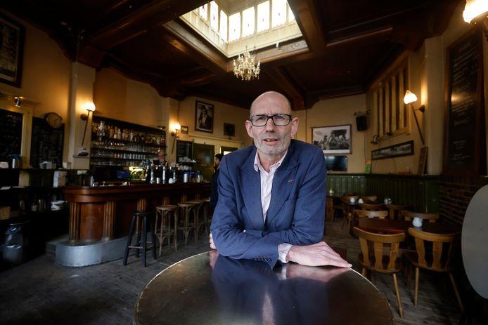 """André Overbeek runde achttien jaar café Trianon aan de Berg en Dalseweg. ,,Hiermee heb ik bijgedragen aan de levendigheid van de stad."""""""