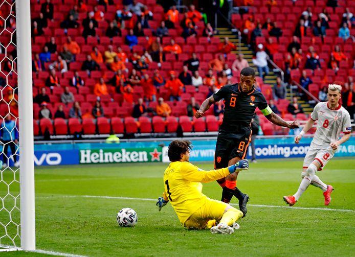 Georginio Wijnaldum zet Nederland op 2-0.