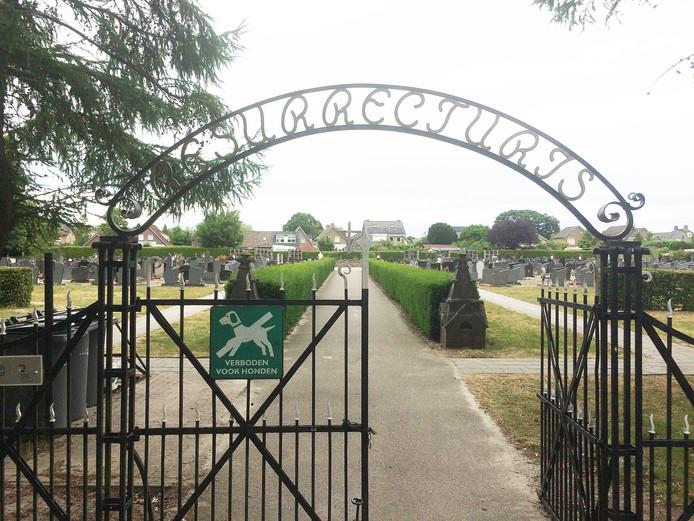 Op de begraafplaats in Berghem werden onlangs 26 graven geruimd; in Schaijk binnenkort 180.