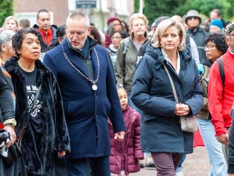 Vaassen laat zich niet gek maken bij herdenking ontruiming Moluks woonoord: 'Ik voel de saamhorigheid'
