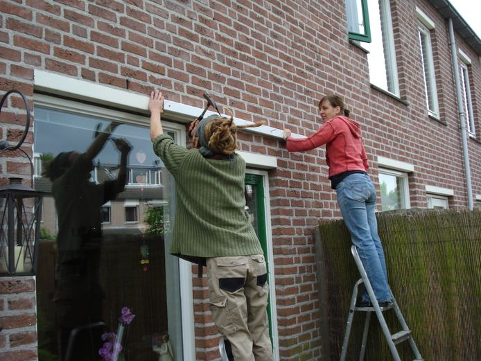 BREDA - Leden van LETSkring Mallemoer in Breda helpen elkaar met klussen en diensten.