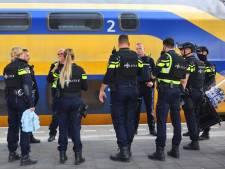 Perrons op station Den Bosch tijdelijk ontruimd vanwege verdachte situatie, persoon aangehouden