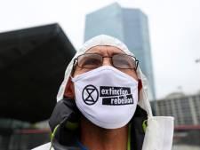 Extinction Rebellion fietst tegen verbreding van de A27 bij Amelisweerd