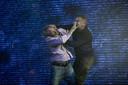 Gijs Scholten van Aschat (l.) en Hans Kesting knokken op het podium bij Age of Rage.