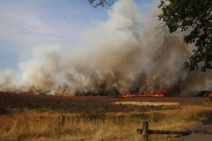 Het oprukkende vuur bij Elspeet.