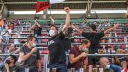 """Voetbalsupporters kunnen eindelijk weer genieten op de tribunes: """"Eerst door de vernevelaar... en daarna thuiskomen en een pintje drinken"""""""