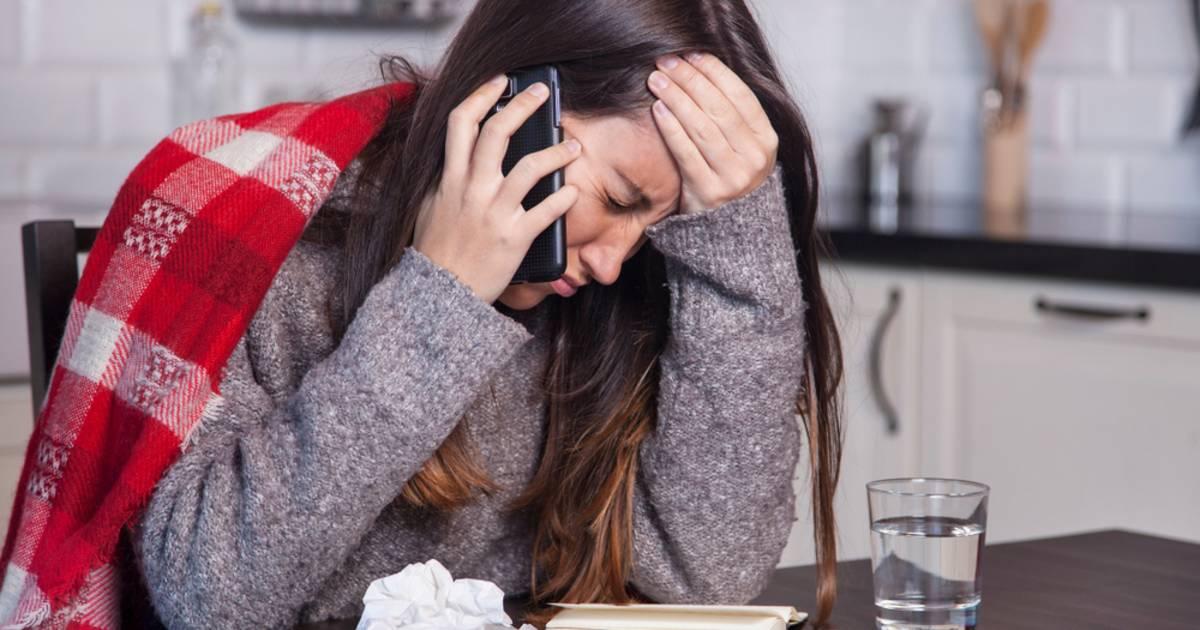 Verzekeraar bezorgd: flinke groei van psychische klachten bij werknemers door corona - AD.nl