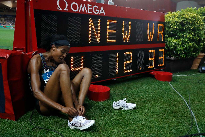 Monaco, juli 2019. Sifan Hasan heeft op een testmodel van Nike het wereldrecord op de mijl verbeterd. Beeld EPA