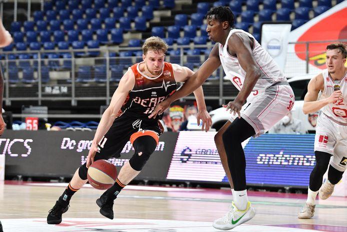 Seppe D'Espallier in actie tijdens de play-offs tegen Antwerp Giants.