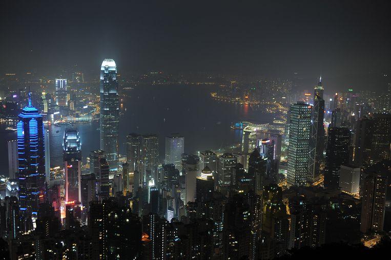 Zicht op Hong Kong vanop Victoria Peak, waar de high society van de stad woont. Beeld AFP