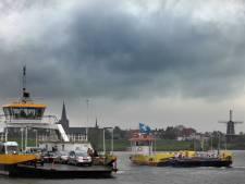 In Den Haag denken ze dat de wereld uit asfalt bestaat en en dat de pontjes zoiets als varend cultureel erfgoed zijn